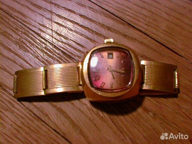 Наручные женские часы из углича