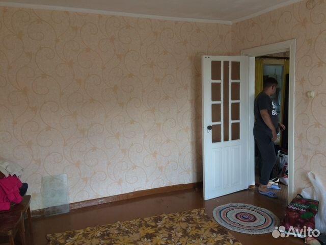 Продается двухкомнатная квартира за 670 000 рублей. п. Сидоровка, ул Холуновская 15.