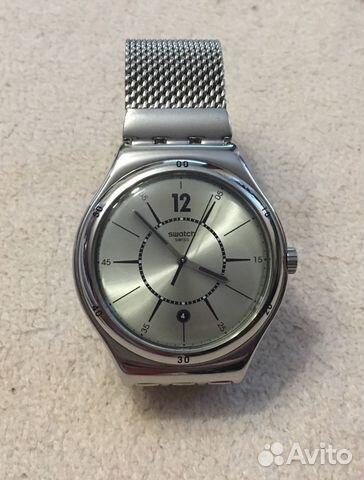 Часы swatch мужские на руке