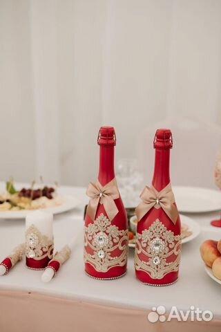 Свадебные бокалы, свечи, казна/сундук