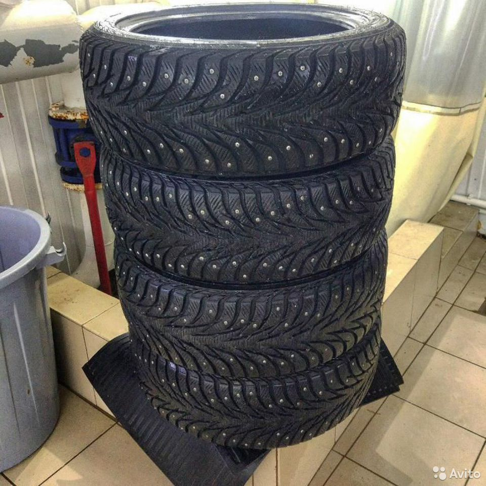 Yokohama ice guard 215/50 R17